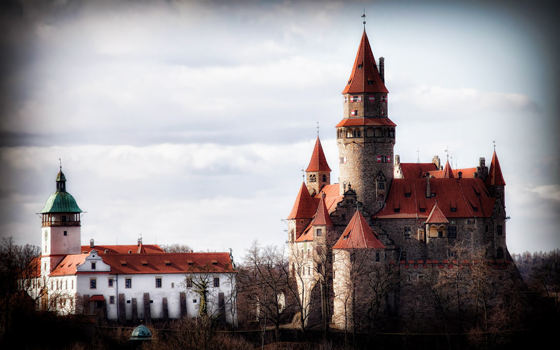 Замок Боузов, осенний пейзаж